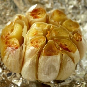 Click to learn how to roast garlic from ecurry.com